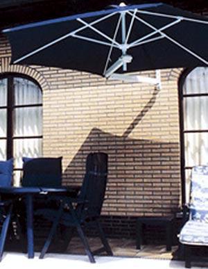 paraflex-hexagonal-parasol-wall-mounted-blue